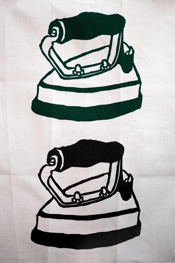 Strykjärn - Mörk grön